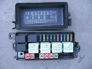 02 03 04 05 06 07 08 mini cooper s fuse box under hood engine bay with lCNeASH 02 03 04 05 06 07 08 mini cooper s fuse box under hood engine bay Mini Cooper Fuse Box Layout at nearapp.co