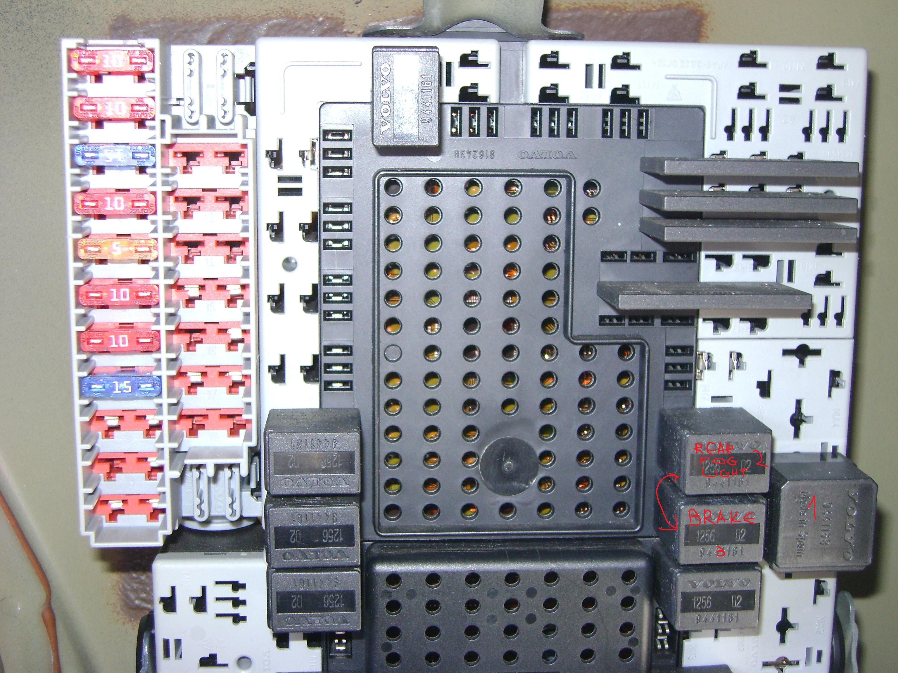 2007 Volvo S60 Engine Diagram 1997 V70 Fuse Box 300x271 Pictures Image Details