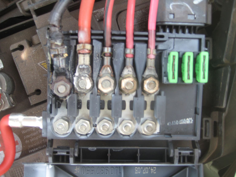 2001 VW Beetle Battery Fuse Box