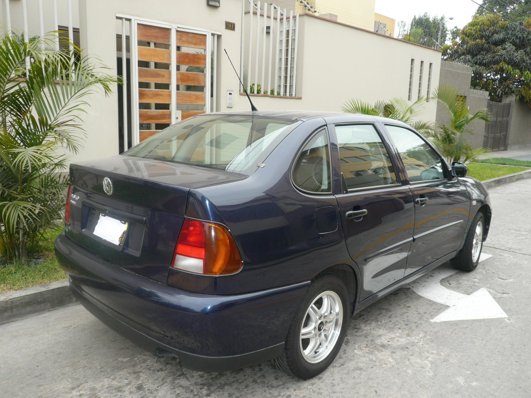 2001 Vw Polo Classic 1 6 Sedan Azul Indigo P1030831jpg Picture