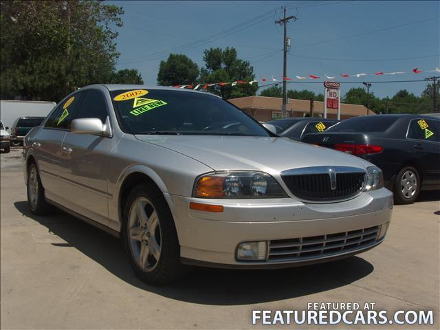 2002 Lincoln LS Radio Fuse http://www.cardomain.com/ride/3366288/2002