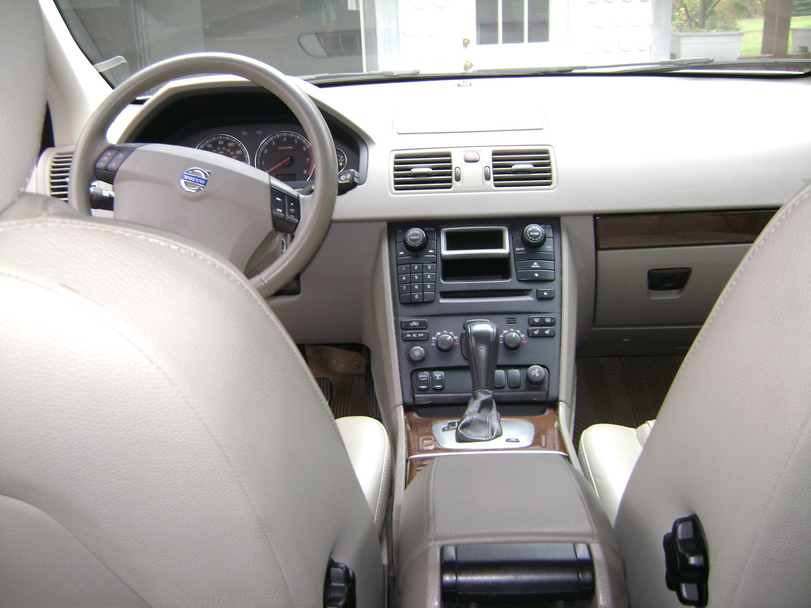2005 Volvo XC90 Interior