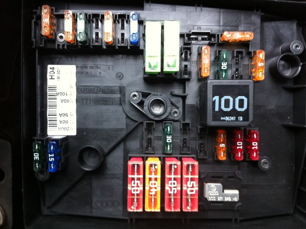 2006 vw jetta under hood fuse box diagram SDhRWTj 2006 ford mustang fuse diagram car autos gallery 2012 VW Jetta Fuse Box Diagram at nearapp.co