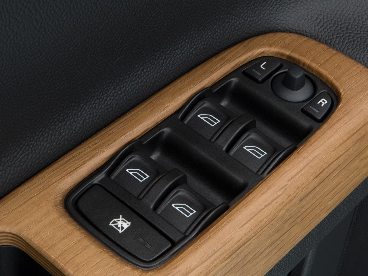 2009 Volvo S40 Interior