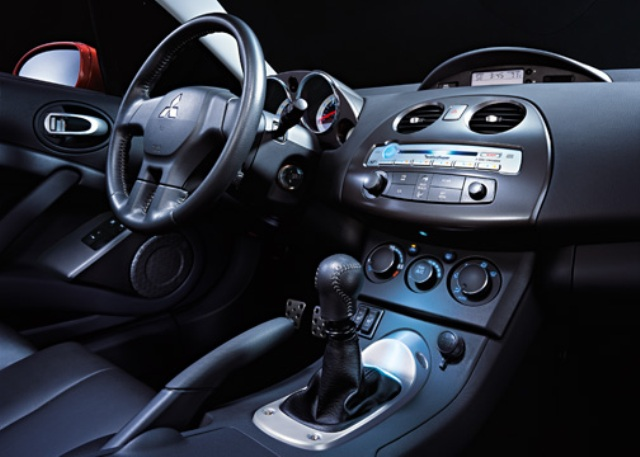 2011 Mitsubishi Eclipse Interior - image details