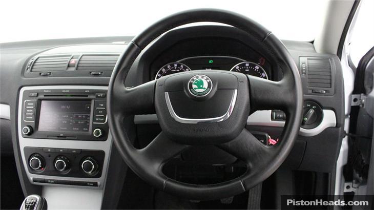 2012 SKODA OCTAVIA 1.6 TDI CR GreenLine II 5dr 10301 diesel (2012) For
