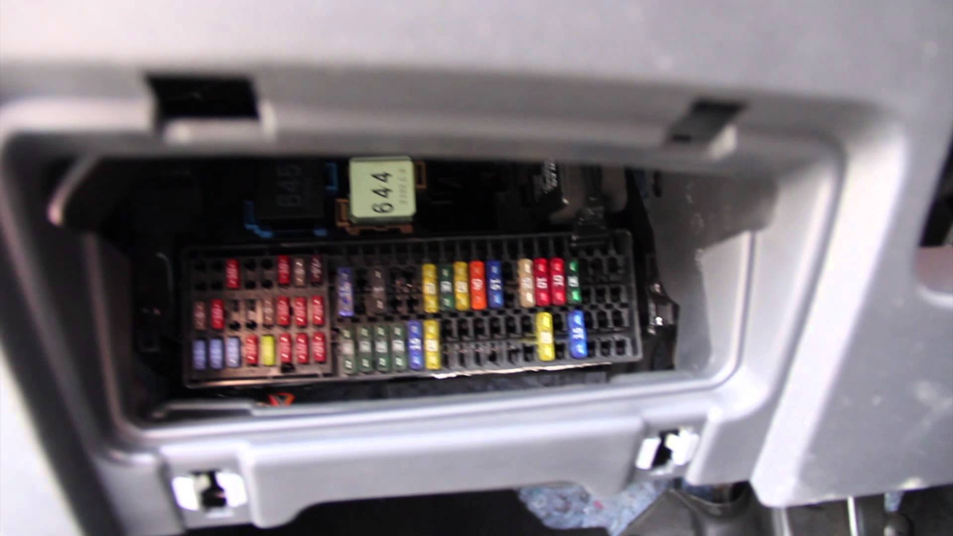 33 2011 Jetta Se Fuse And Relay Diagram