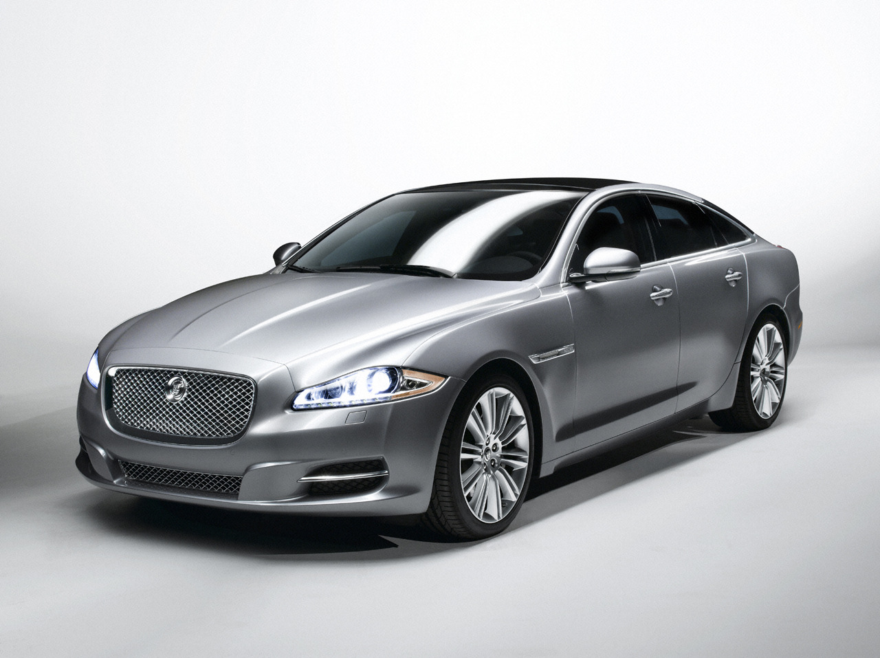 2013 Jaguar XJ Price