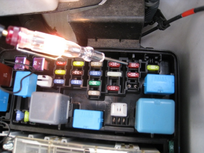 2013 toyota sienna fuse box 22747637 , 646 to1q13 image details chevy traverse fuse box 2013 toyota sienna fuse box 22747637 , 646 to1q13