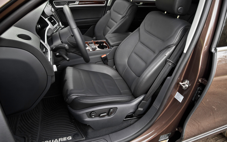 2013 Volkswagen Touareg Interior