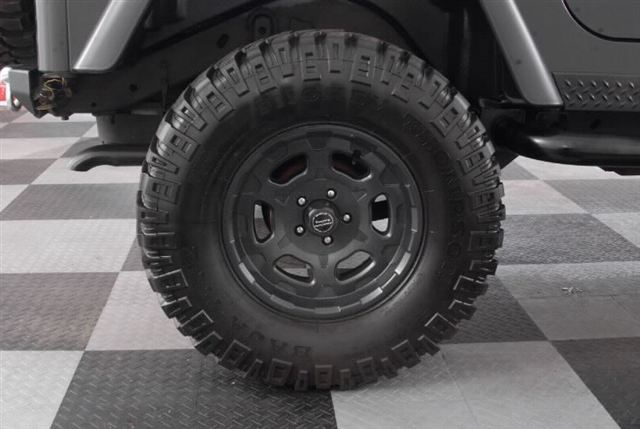 33 Inch Tires and Rims for Jeep Wrangler