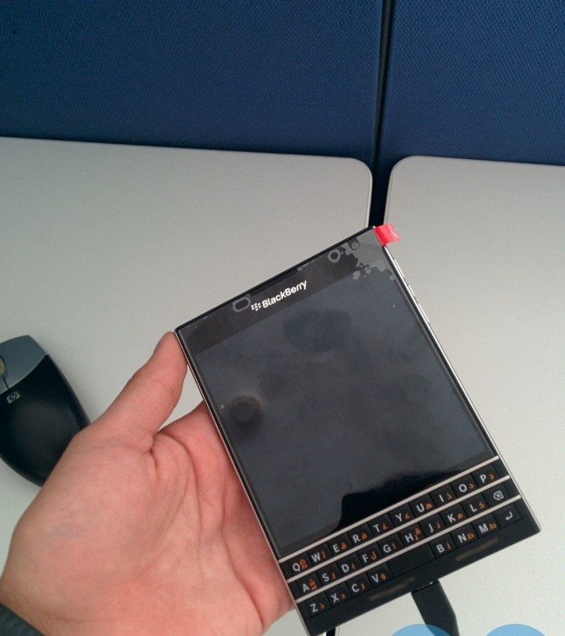 BlackBerry Porsche Design Passport