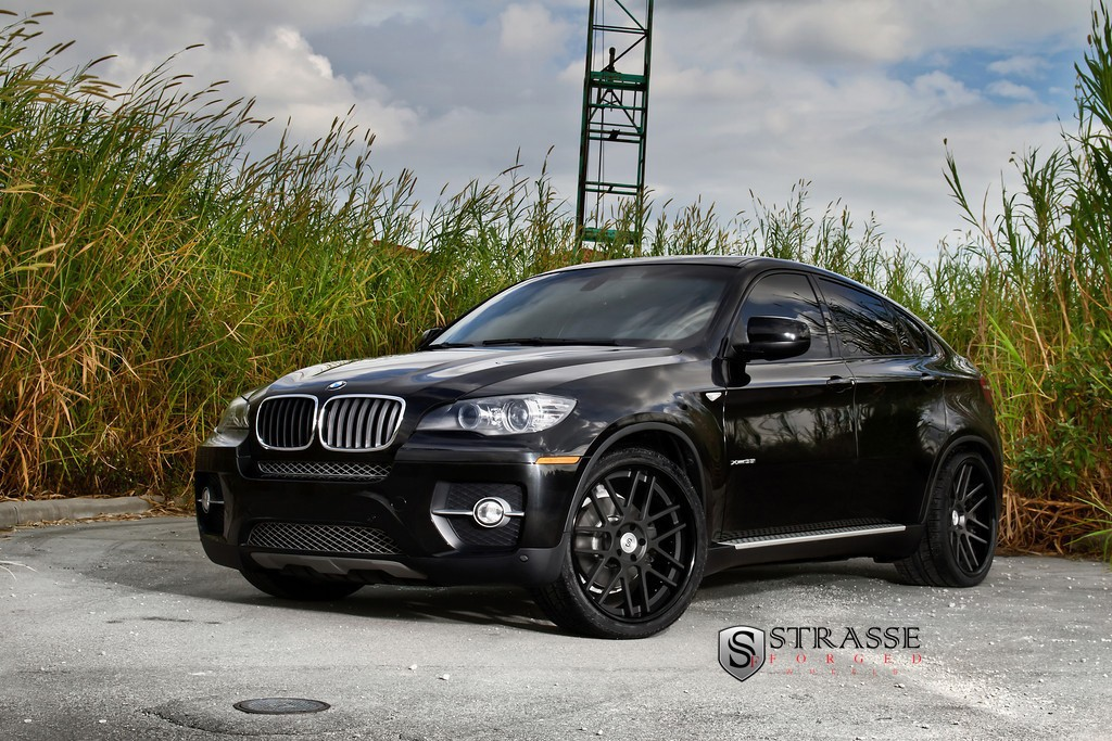 BMW X6 Black Rims