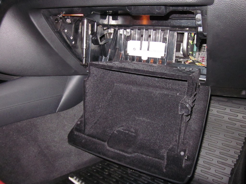 On The Polo 6r As You Can See Below Fuse 47 Is Wiper Motor Kia Ceed Box Location Card Chart 74 Very Bottom