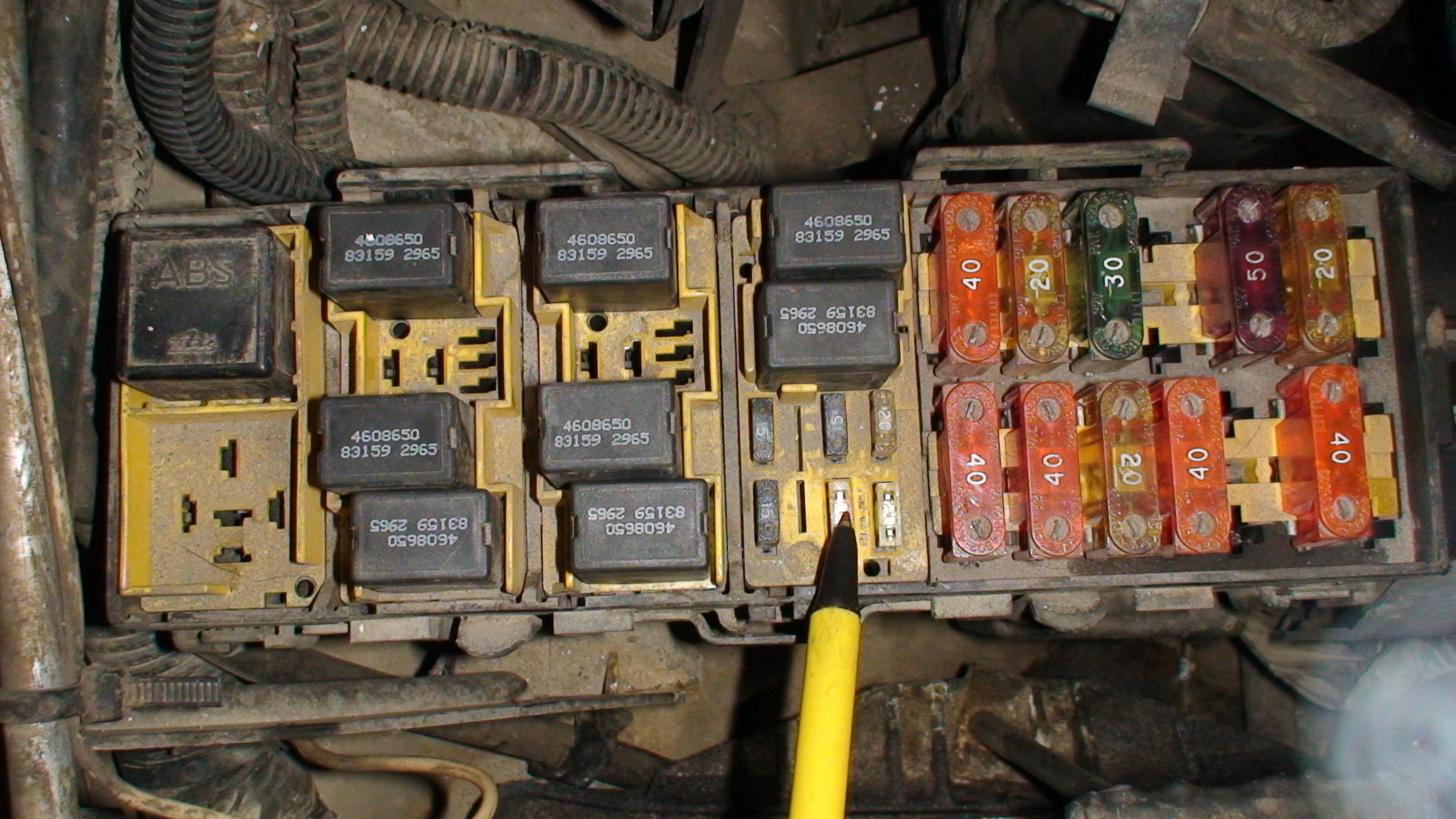 Cable conversion further FrunLX besides 2001 Dodge Caravan Fuse Box Diagram moreover 1997 UP Fuse Identification as well Unknown Holes Block 146783. on jeep grand cherokee fuse box