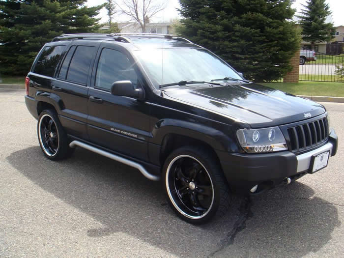 Jeep Grand Cherokee with Black Rims