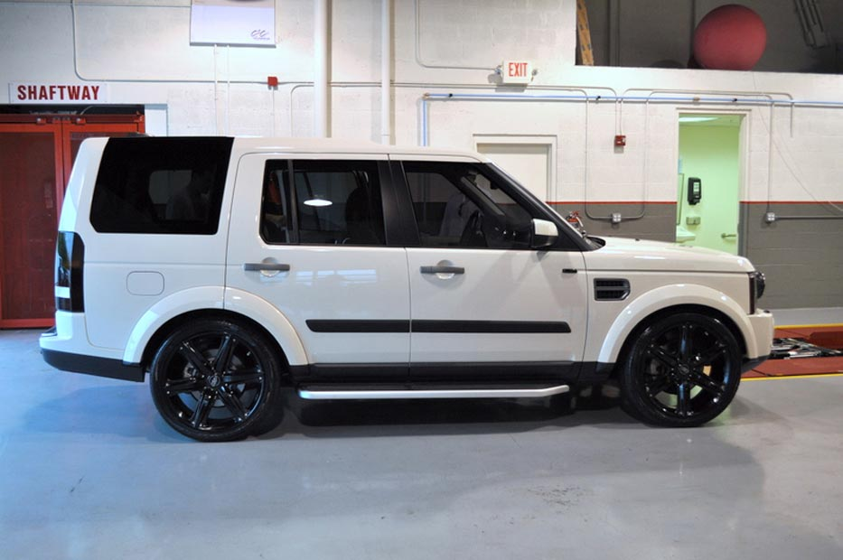 Land Rover LR3 with 22 Inch Wheels Pics