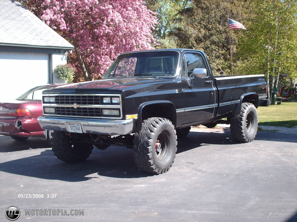 Lifted Square Body Chevy Image Details