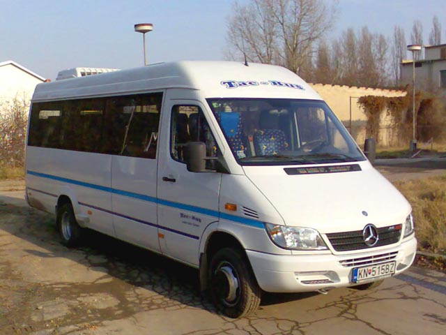 MercedesBenz Sprinter 416 information: