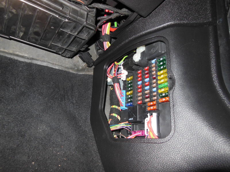 2007 Mini Cooper S Fuse Box - Wiring Diagram Experts Wiring Diagram For Mini Cooper S on 2007 mini cooper radio replacement, 2003 kia sedona wiring diagram, 2007 mini cooper fuse diagram, 2007 mini cooper parts catalog, 2007 mini cooper transmission diagram, 2002 mitsubishi lancer wiring diagram, 2006 mini cooper wiring diagram, 2008 subaru legacy wiring diagram, 2007 mini cooper engine problems,