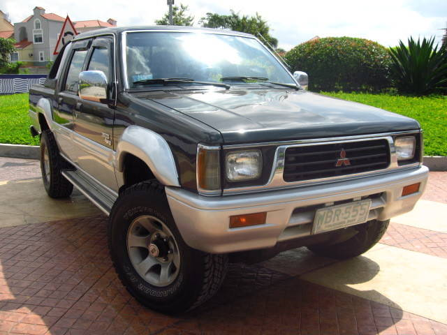 mitsubishi hardbody double cabin sale japan import strada L200 K34T