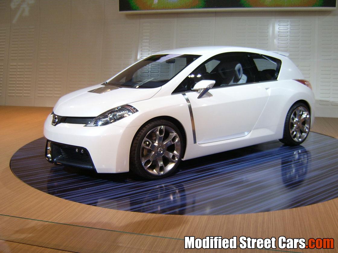 Nissan Tiida Car