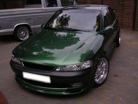 Opel Vectra B Sport. Opel Vectra B grün
