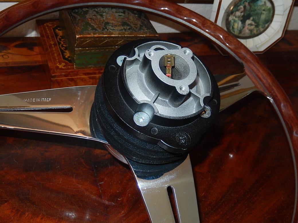 Original Nardi Jaguar hub (Boss/Adapter)