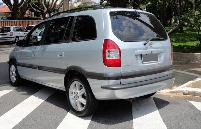 Os detalhes de estilo desta Chevrolet Zafira Elite 2010 Automática 7
