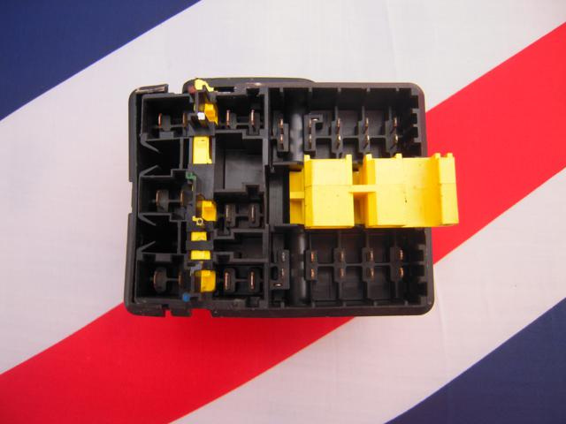 peugeot 106 citroen saxo genuine complete engine bay fuse box board