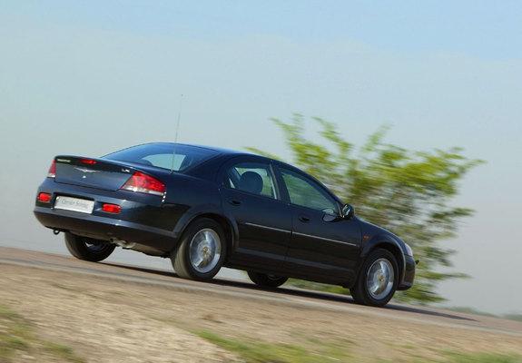Pictures of Chrysler Sebring Sedan 2004?06