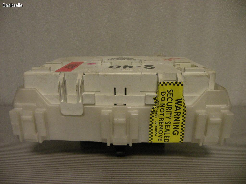 Suzuki SX4 Fuse Box Location