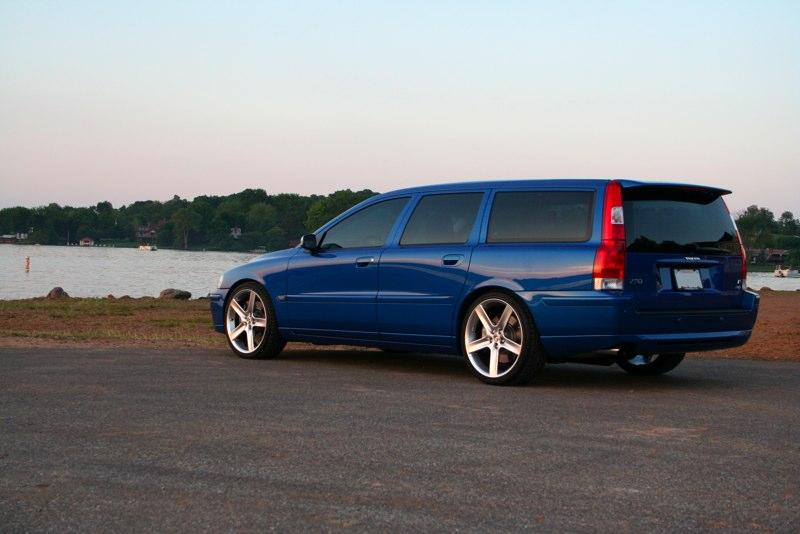 Volvo V70 R Wagon